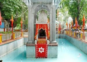 badamwari,chashme shahi,dachigam national park,dal lake,floating market,hari parbat,hazratbal shrine,jamia masjid,kashmir beauty,kashmir gardens,kashmir lakes,kashmir mosques,kashmir sight seeing,kashmir temples,kheer bhawani,koh-e-maran,mansbal lake,mughal gardens,must see places in kashmir,must see places in srinagar,nigeen lake,nishat bagh,pari mahal,shalimar bagh,shankaracharya,terraced gardens,tulip garden,must see places in india, must see places in asia,