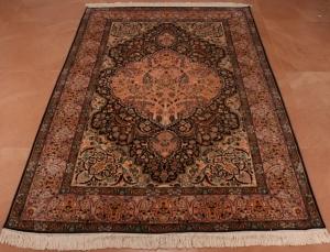 Kashmiri carpets, carpets of kashmir, kashmir carpets, silk carpets, handmade carpets, cotton carpets, silk on silk carpets, traditional carpets of kashmir, history of kashmir carpets, carpet terminology, traditional carpet designs, online carpets of kashmir, kashmir carpet designs, traditional designs, carpet motifs, carpet names , bagdar, garden view,