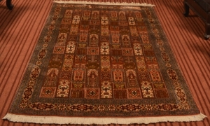 Kashmiri carpets, carpets of kashmir, kashmir carpets, silk carpets, handmade carpets, cotton carpets, silk on silk carpets, traditional carpets of kashmir, history of kashmir carpets, carpet terminology, traditional carpet designs, online carpets of kashmir, kashmir carpet designs, traditional designs, carpet motifs, carpet names ,gumm design, the maze pattern