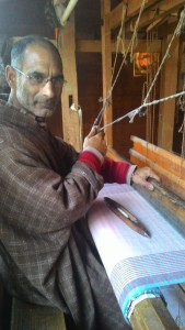 artisan diaries, artisans of kashmir, kashmir artisan stories, kashmir artisans, artisans, artisan stories, hand weaving, pashmina weaving, hand looms, dying pashmina art, kashmir pashmina, kashmir handlooms, hand weavers, pashmina weavers, kashmir arts, kashmir crafts,