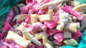 kashmir street food, kashmir food, street food kashmir, kashmir snacks, khandde gazir, sweet snacks, kashmir sweet snacks,